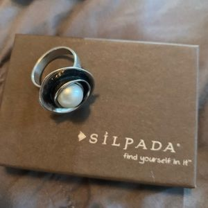 Silpada pearl and sterling silver ring